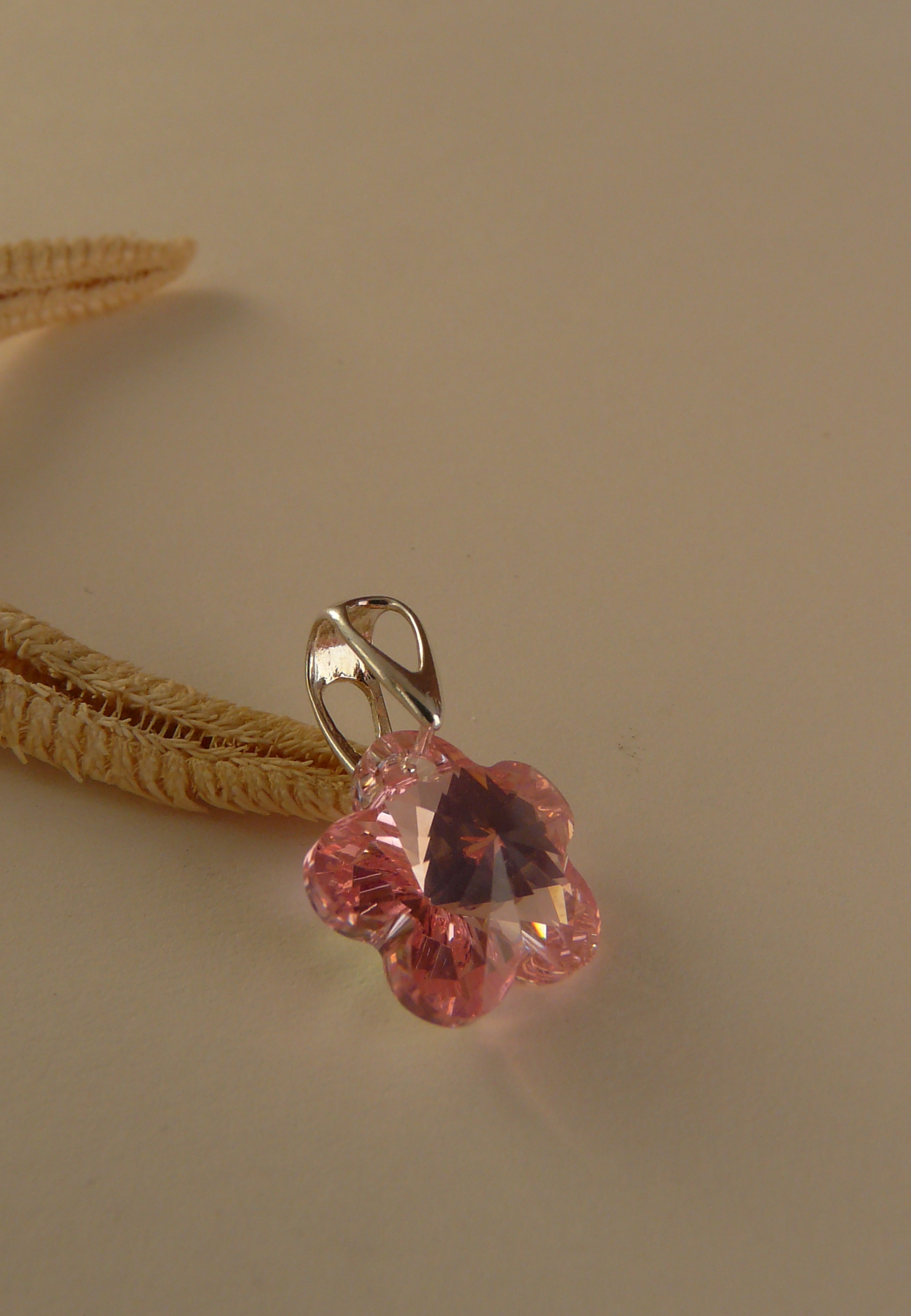 Prívesok Flower Light Rose Swarovski Elements sw074 striebro 925 0,32g